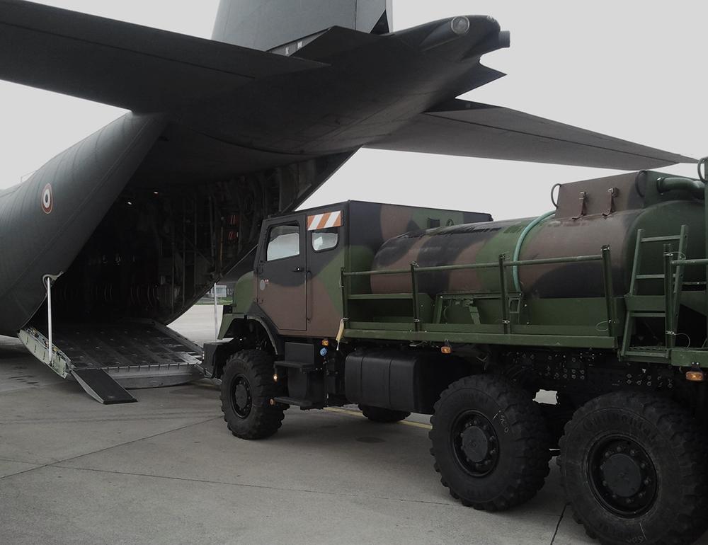 ravitailleur militaire